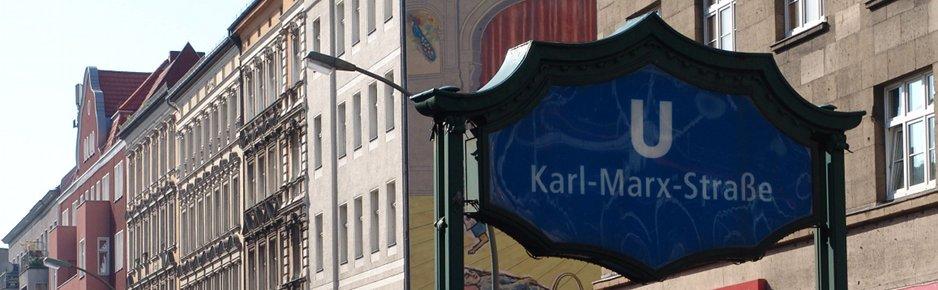 Sie finden die Anwaltskanzlei direkt am U-Bhf. Karl-Marx-Straße zwischen Neuköllner Oper und Saalbau Neukölln.